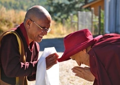 Ven. Chodron greets Geshe Dadul Namgyal