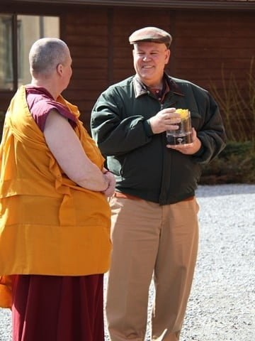 Samten Regan and Venerable Thubten Tsultrim connect before the procession to the Hall.