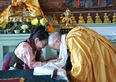 Venerable Thubten Chodron makes an offering.