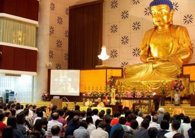 "Venerable's talk on ""Thinking Outside of the Box"" at the PKS Temple draws several hundred people."