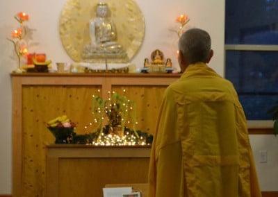 Venerable Chodron prostrates to Cittamani Tara.