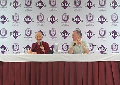 While in Morelia, Venerable Chodron gave two talks to full crowds at the Universidad Latina de America.