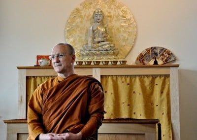 Ajahn Passano gives the lunchtime Bodhisattva Breakfast Corner talk.
