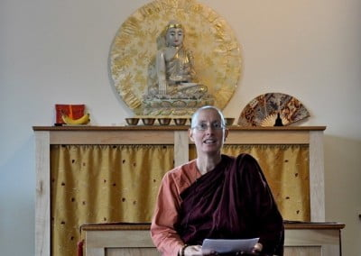 Ayya Thanasanti from the Theravada tradition spent four days with the community.