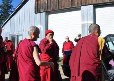 Saying farewell to Geshe Thabkhe.