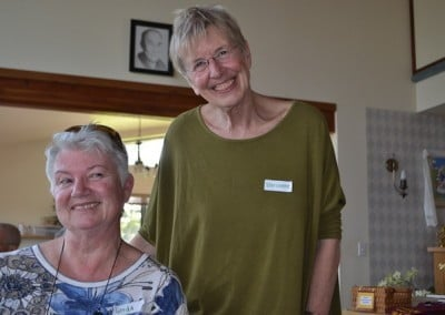 Our Dharma friend Marianne and her cousin Gerda from Holland spend the day with us.
