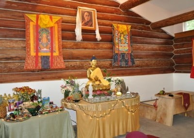 To deepen our practice of generosity and to show our gratitude to the Buddha for his teachings, people make offerings.
