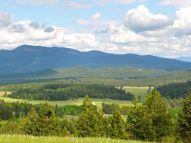 Panoramic views change with the season.