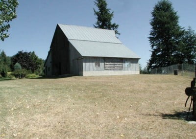 One side of this barn was remodeled into a meeting room (2005).