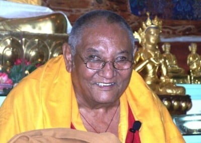 Despite his advancing years and slowing walk, when Rinpoche gave the teachings on the Precious Garland, he radiated great enthusiasm, compassion and joy.