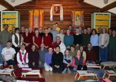 A group photo of the retreatants with Jeffrey Hopkins in the Meditation Hall