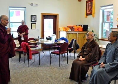 A warm-hearted thank you from Ven. Chodron to our bhikshuni guests.