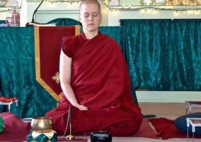 Ven. Lamsel leads a meditation session.