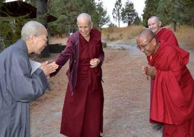 Ven. Chodron introduces Ven. Jendy from Seattle to Geshe-la for the first time