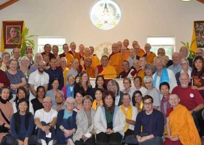 A joyful and thankful group with His Eminence Ling Rinpoche for a final picture.