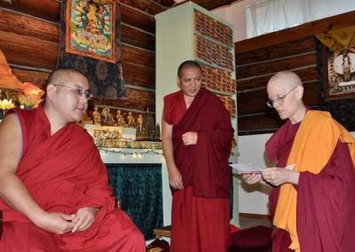 We offer tea as Ven. Tarpa reads a message from our abbess, Ven. Thubten Chodron, who was in India to meet with His Holiness the Dalai Lama.