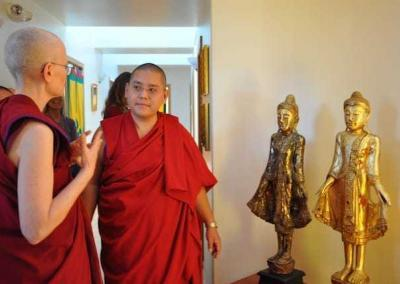 Ven. Tarpa introduces Rinpoche to Gotami House, the nuns' residence.