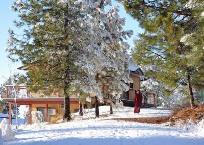 During retreat, we had our first big snowfall. Very auspicious! There was lots of sunshine as well.