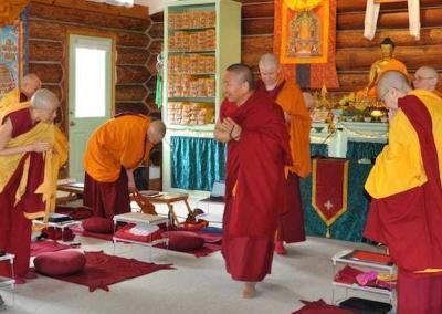 The community and guests are thankful for Geshe-la's teachings.