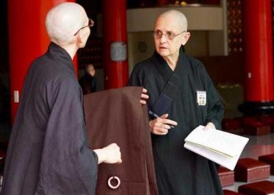 Ven. Tsepal connects with Ven. Bonnie, an American nun who ordained more than 40 years ago. She is so happy to receive bhikshuni ordination!