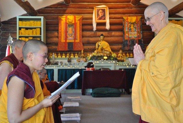 Nuns offer feedback in the pravarana rite.