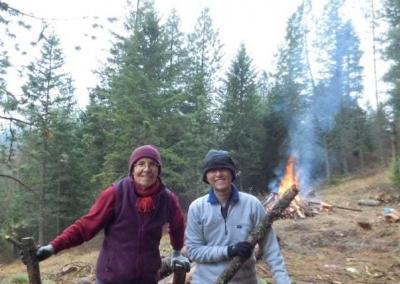 Ven. Semkye and Ven. Chang Feng make a great team burning old wood from the forest.