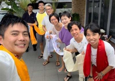 The Singapore weekly lamrim class, which tunes into the Livestream teachings together, also welcomes the venerables.