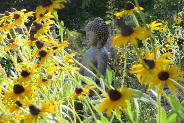 Buddha statue in garden.